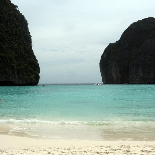 beach-phi-phi-island-1335122-1279×959